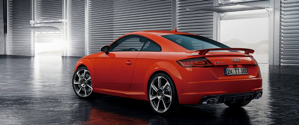 my17_ttrs_coupe_design_main_02.jpg