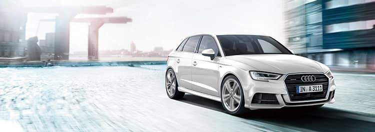 Audi A3 Sportback > A3 > アウ...